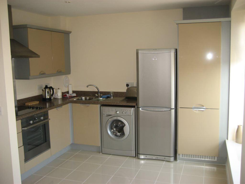 2 Bedrooms Flat for rent in Ashley Place