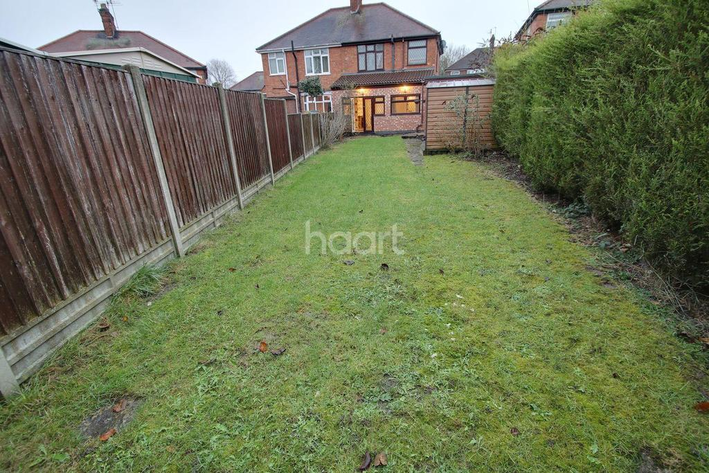 3 Bedrooms Semi Detached House for sale in Parvian Road, Wigston, Leicester