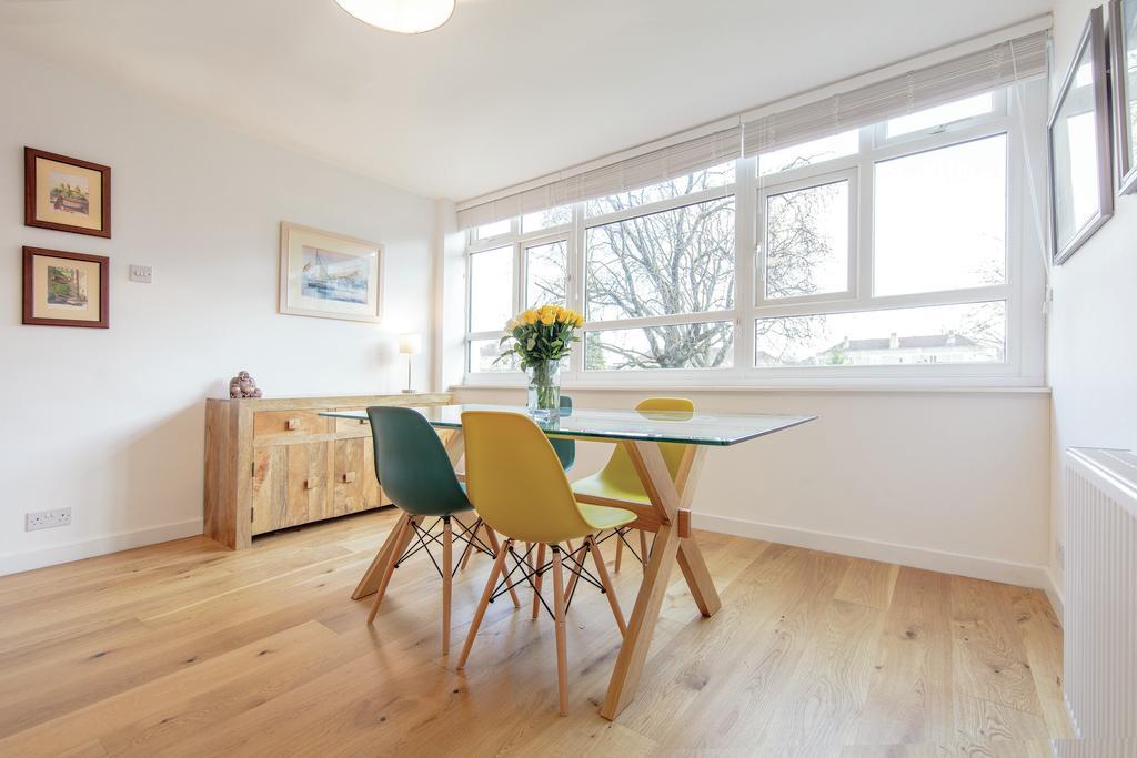 3 Bedrooms Flat for sale in Kersfield Road, SW15