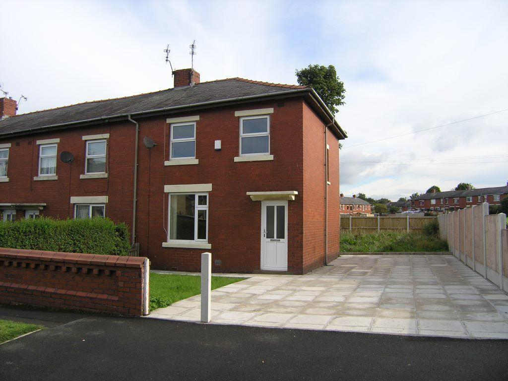 3 Bedrooms Terraced House for rent in Queen Street, Clayton Le Moors Accrington