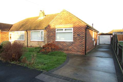 2 bedroom semi-detached bungalow to rent - Priors Close, New Waltham DN36