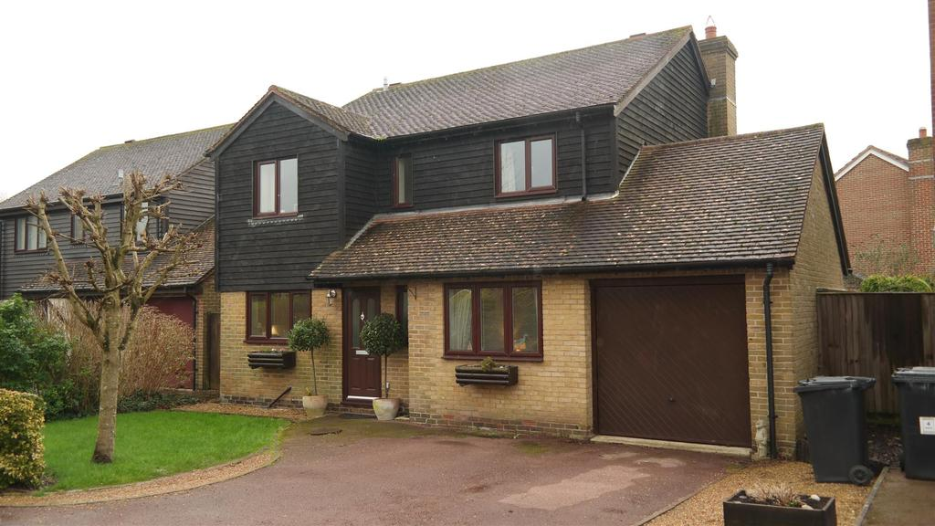 4 Bedrooms House for rent in Nelson Close, Tangmere, Chichester
