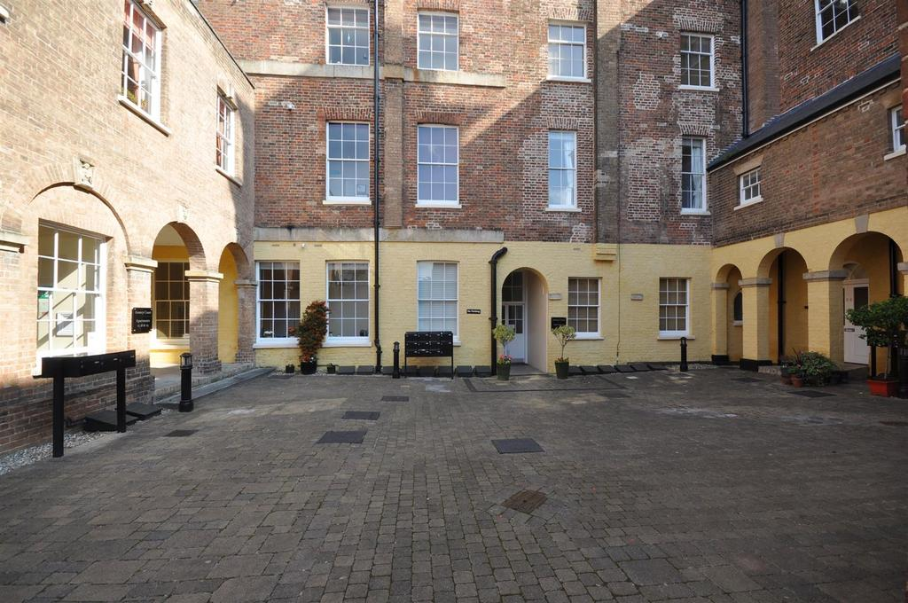 1 Bedroom Apartment Flat for sale in St. Josephs Field, Taunton