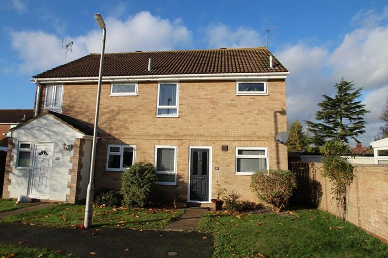 3 Bedrooms Semi Detached House for rent in Hunt Road, Earls Colne, Colchester
