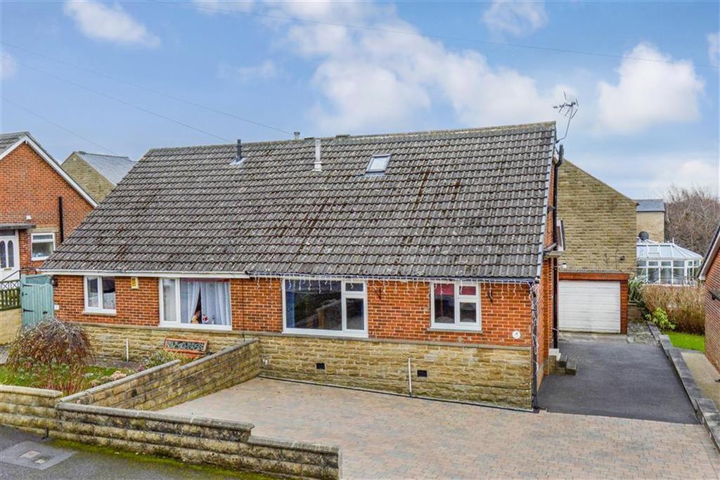 3 Bedrooms Bungalow for sale in Hayfield Avenue, Oakes, Huddersfield, HD3