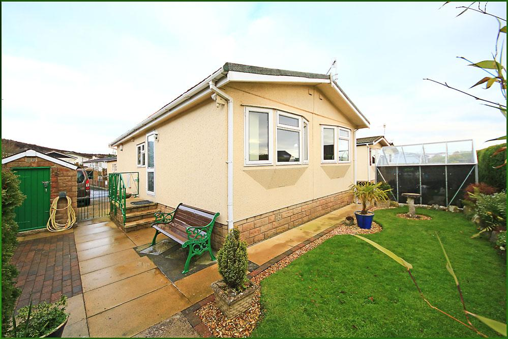 2 Bedrooms Park Home Mobile Home for sale in The Crescent, Dales View Park, Salterforth BB18