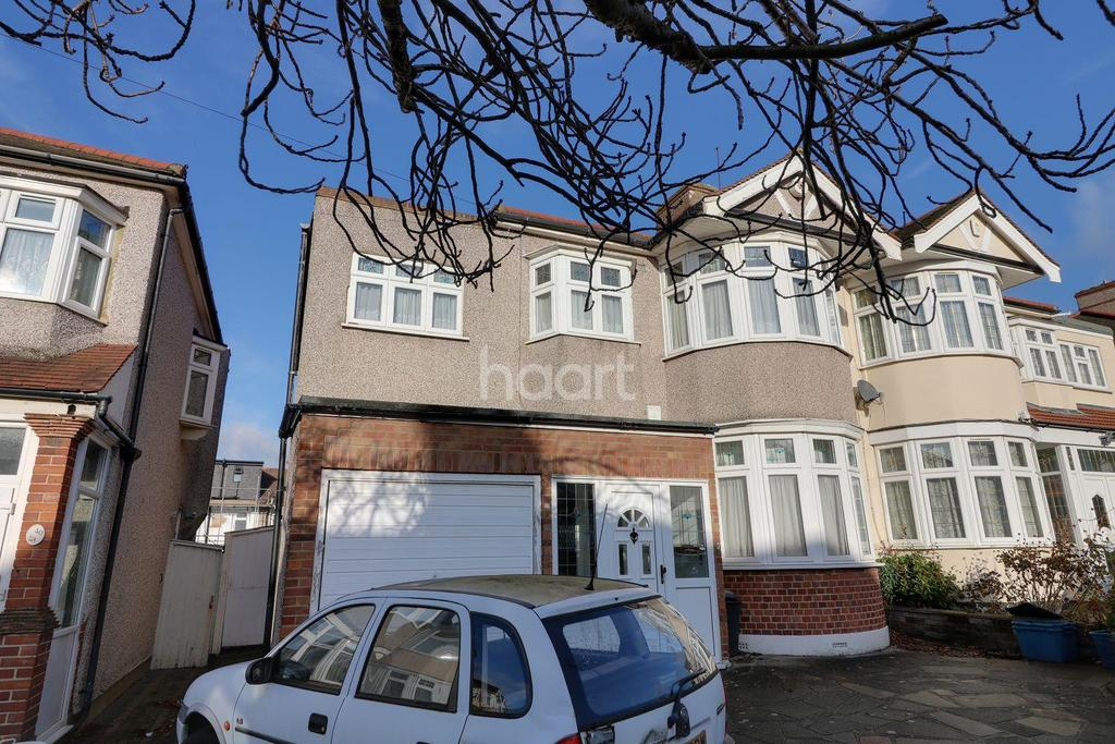 5 Bedrooms Semi Detached House for sale in Fowey Avenue, Redbridge