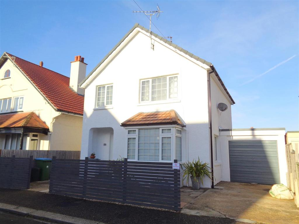 3 Bedrooms Detached House for sale in Tennyson Road, Bognor Regis