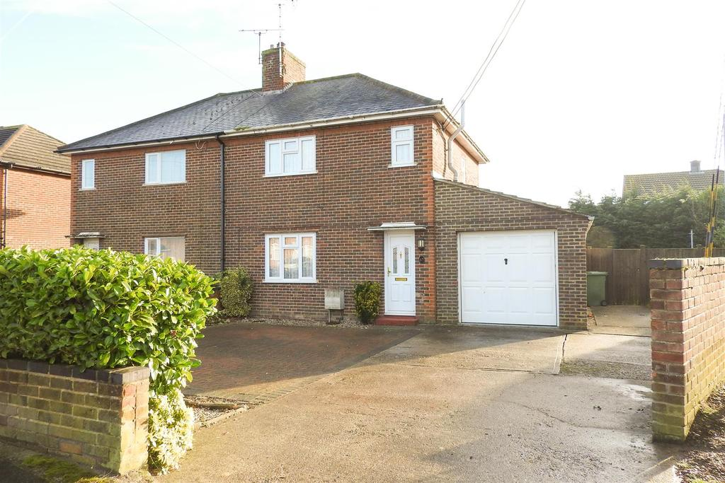 2 Bedrooms Semi Detached House for sale in New Road, Hatfield Peverel