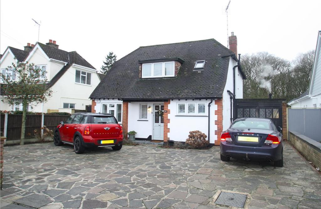 4 Bedrooms Detached House for sale in Woodside, Leigh-On-Sea
