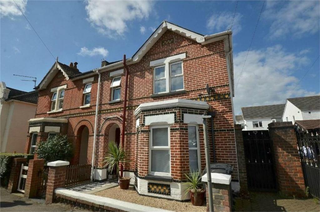 2 Bedrooms Flat for sale in Lincoln Avenue, Springbourne, Bournemouth, Dorset
