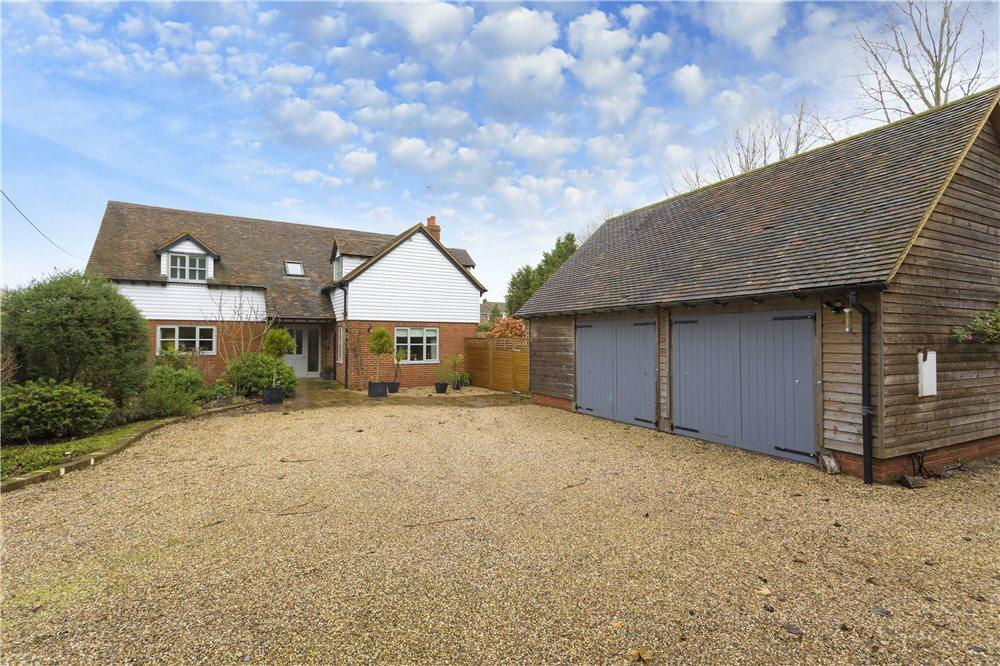 4 Bedrooms Detached House for sale in Marsh Road, Hamstreet, Ashford, Kent