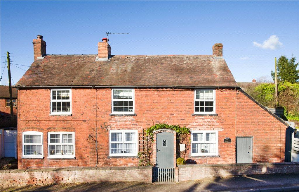 4 Bedrooms Detached House for sale in Mamble Road, Clows Top, Kidderminster, Worcestershire, DY14