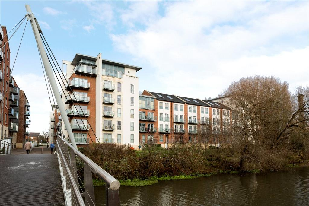 3 Bedrooms Penthouse Flat for sale in Adventurers Court, Pond Garth, York, YO1