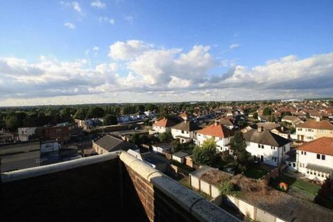 1 bedroom apartment to rent - Prince Avenue, Southend-On-Sea