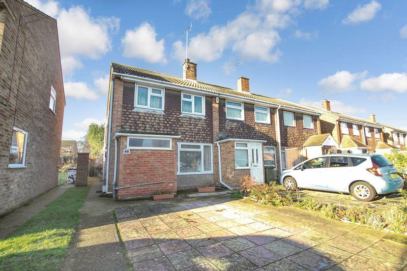 3 Bedrooms Semi Detached House for sale in Swale Road, Crayford