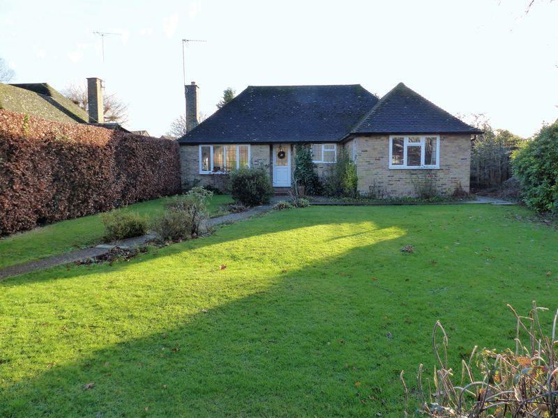 3 Bedrooms Detached Bungalow for sale in Ockley Road, Cranleigh