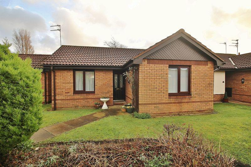 2 Bedrooms Semi Detached Bungalow for sale in The Woodlands, Ainsdale