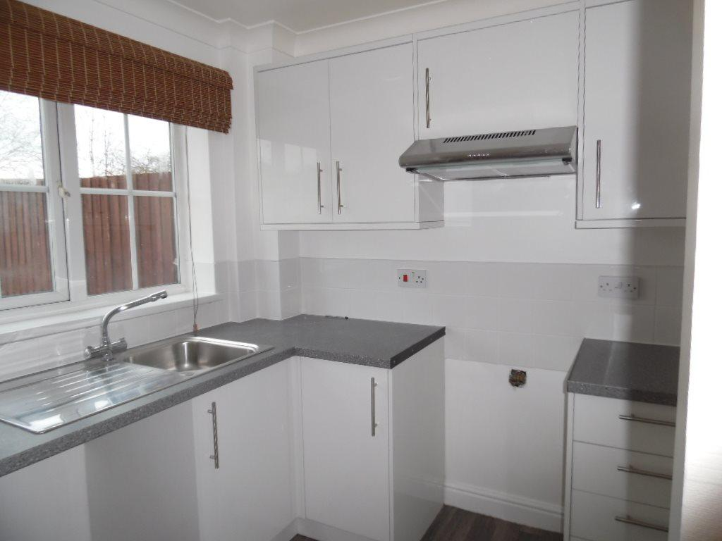2 Bedrooms Semi Detached House for rent in Butlin Close, , Skegness