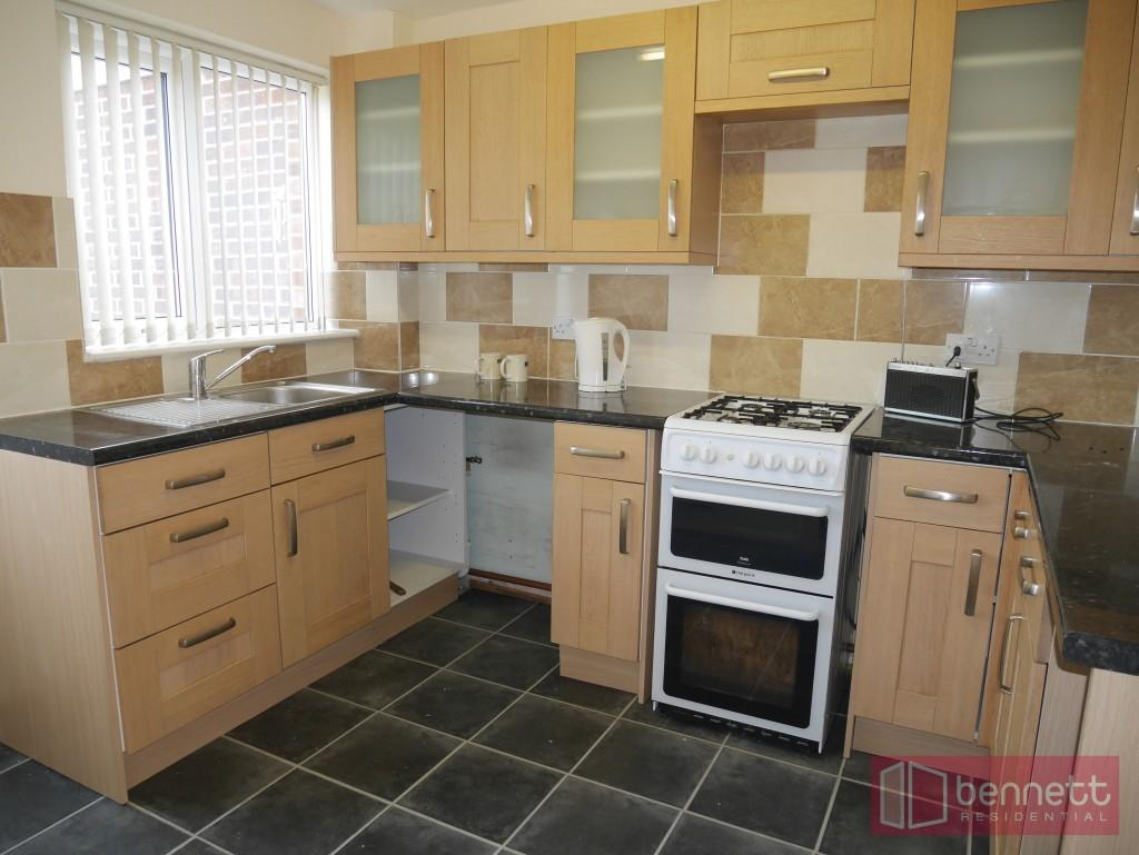 3 Bedrooms Terraced House for rent in Spencer Avenue, North Taunton
