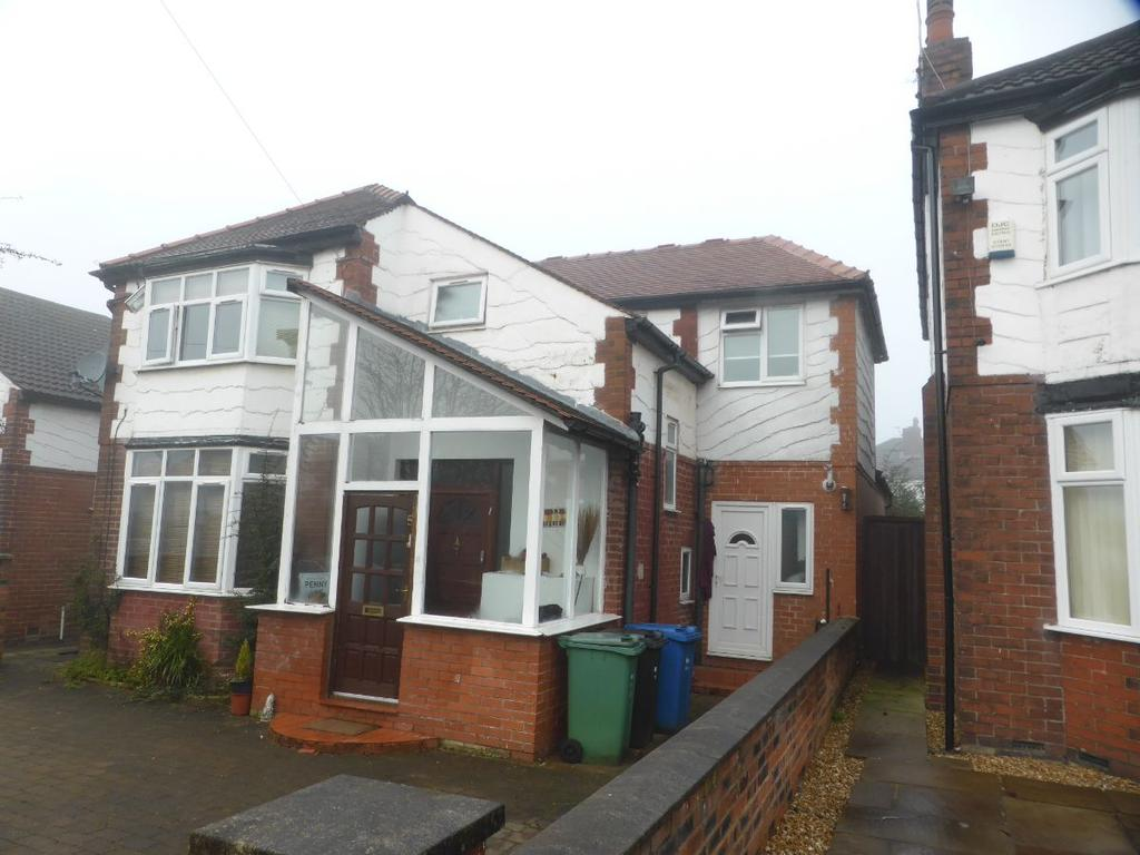 4 Bedrooms Detached House for sale in Craigwell Road, Prestwich M25 0EF
