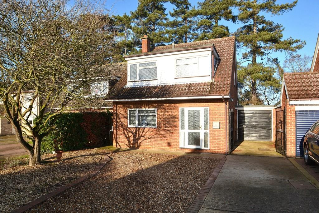 3 Bedrooms Detached House for sale in Old Rectory Close, Barham, Ipswich, IP6 0PY