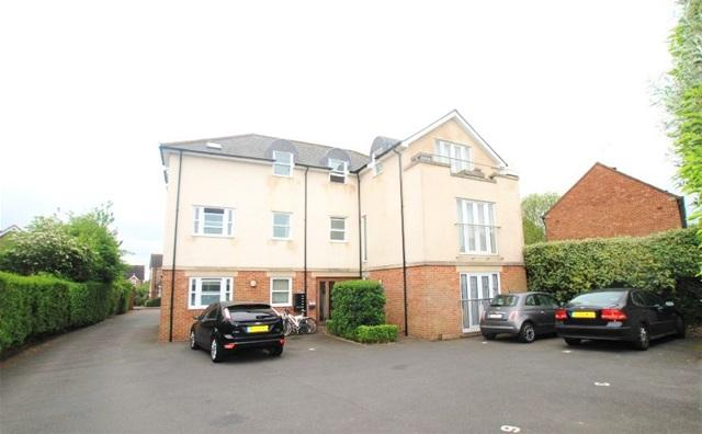 2 Bedrooms Flat for sale in Great Havers Court, Bishops Stortford, Bishops Stortford