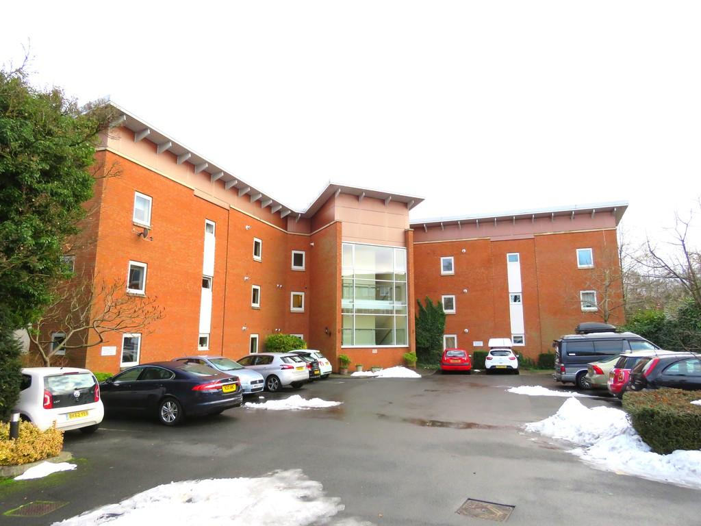 2 Bedrooms Apartment Flat for sale in Birchfield Road, Redditch