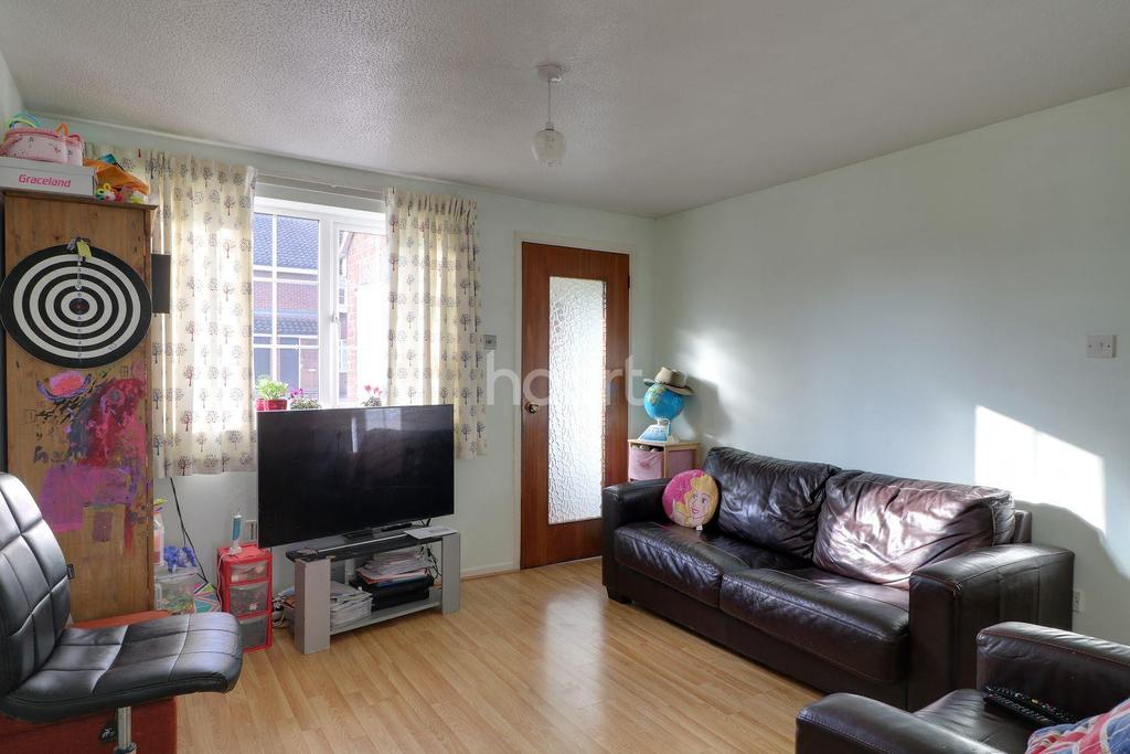 1 Bedroom Flat for sale in St Bedes Gardens, Cambridge