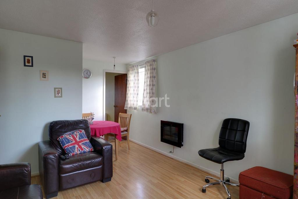 1 Bedroom Flat for sale in St Bedes Gardens, Cambridge