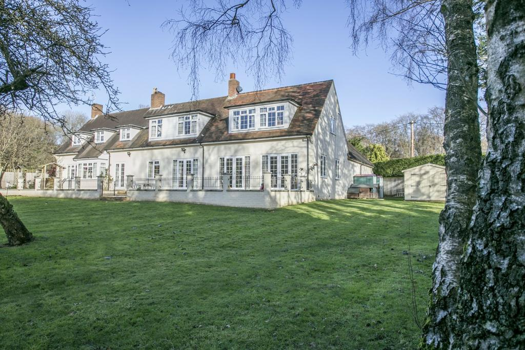 7 Bedrooms Detached House for sale in Kingwood Common
