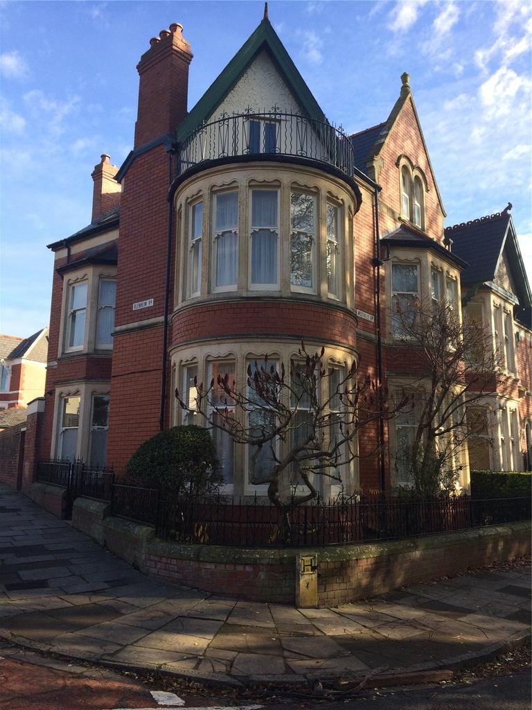 6 Bedrooms End Of Terrace House for sale in Westville Road, Penylan, Cardiff, CF23
