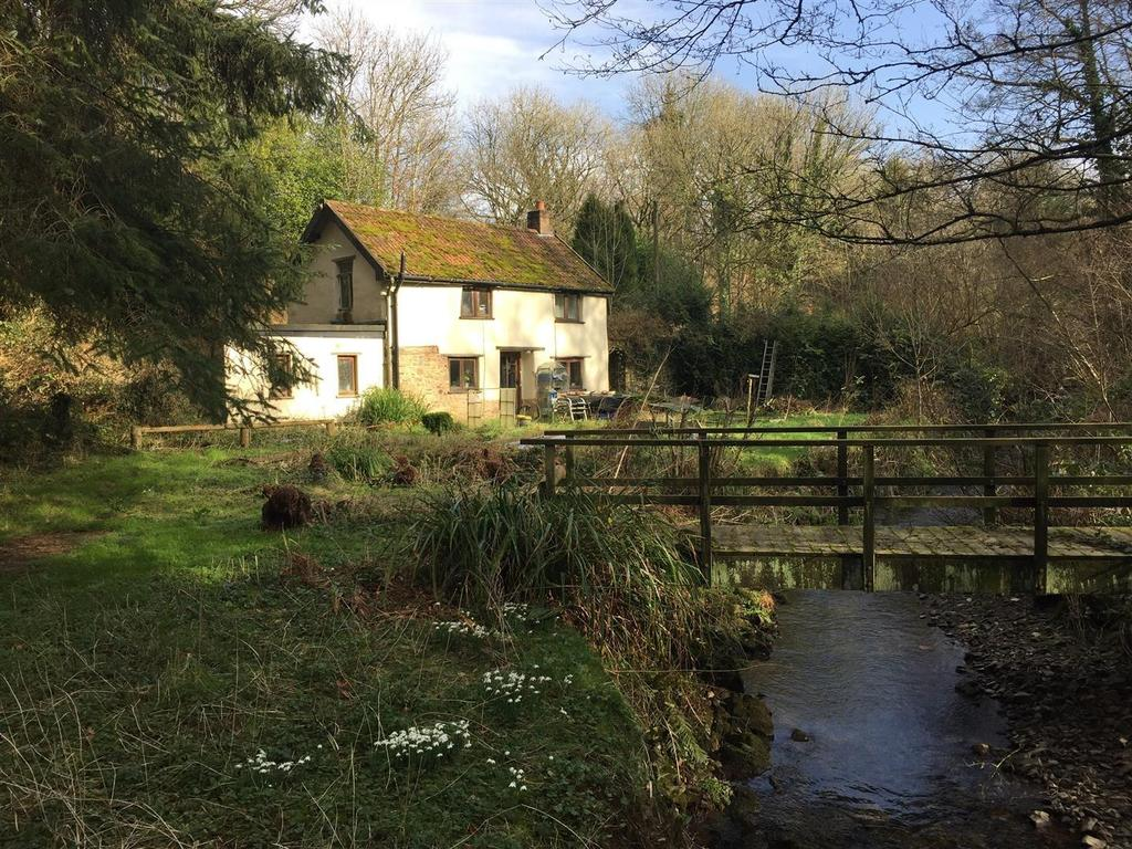 2 Bedrooms Cottage House for sale in Rose Ash, South Molton