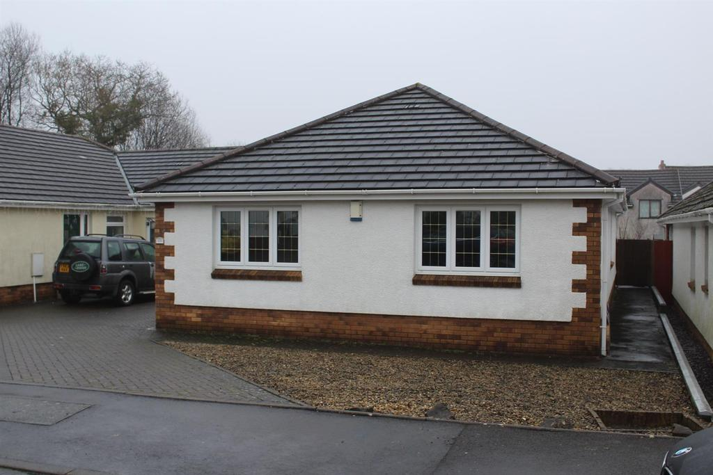 3 Bedrooms House for sale in Clos Nant-Y-Ci, Saron, Ammanford