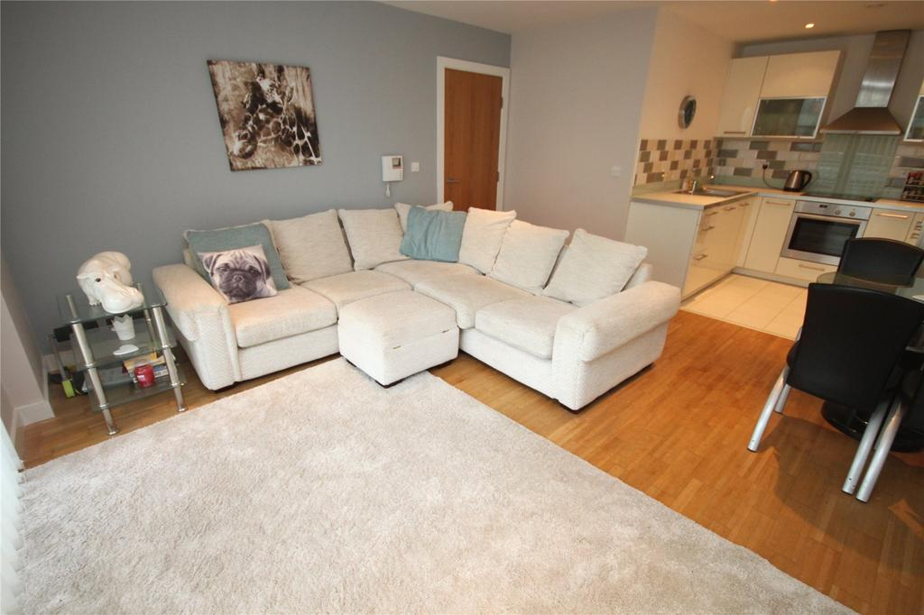 2 Bedrooms Flat for sale in St George's Island, Kelso Place, Manchester, Greater Manchester, M15