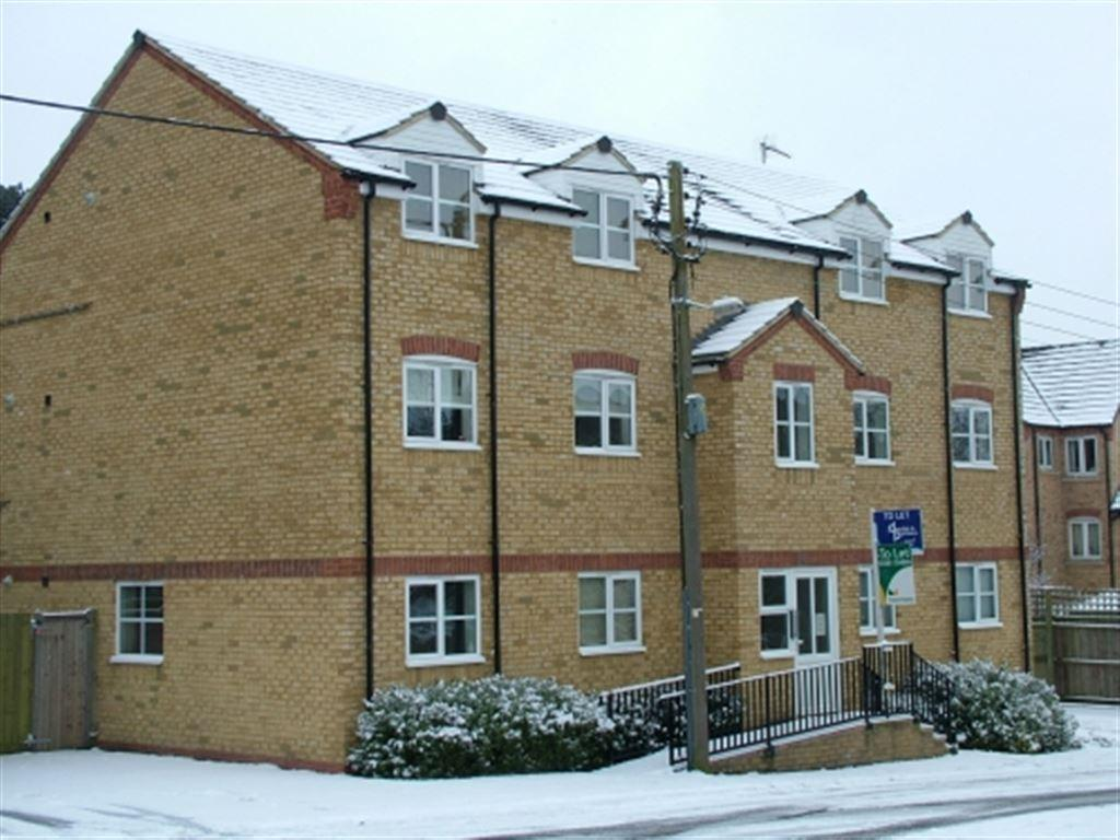 2 Bedrooms Flat for rent in Burwell Hill, Brackley, Northants