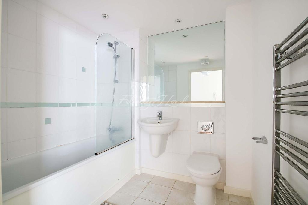1 Bedroom Flat for sale in Tequila Wharf, Canary Wharf, E14