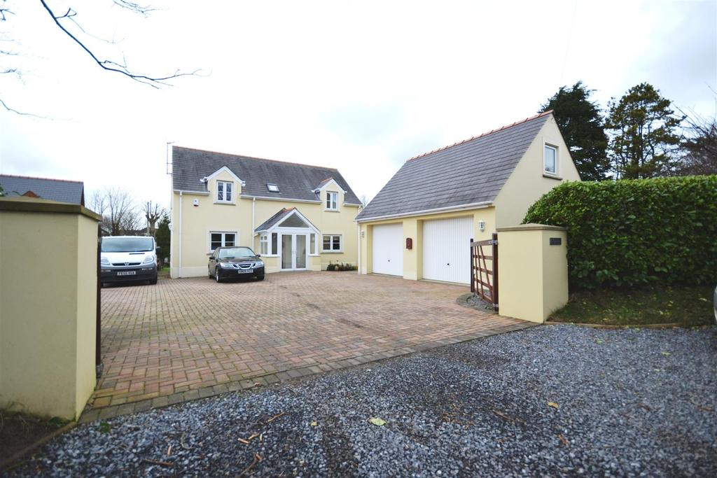 4 Bedrooms Detached House for sale in Steynton, Milford Haven