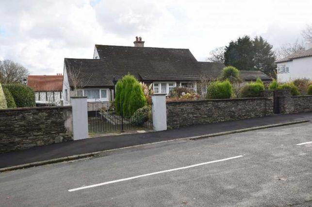5 Bedrooms Bungalow for sale in Little Switzerland, Douglas, IM2 6AE