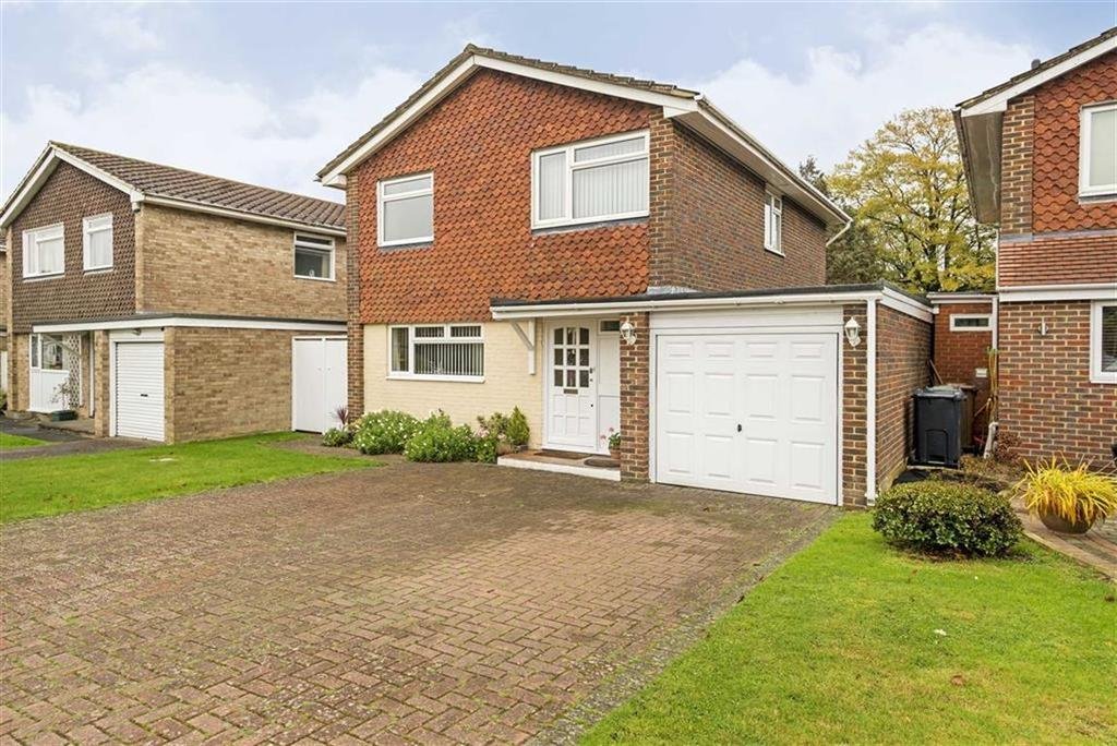 4 Bedrooms Detached House for sale in North Acre, Banstead, Surrey
