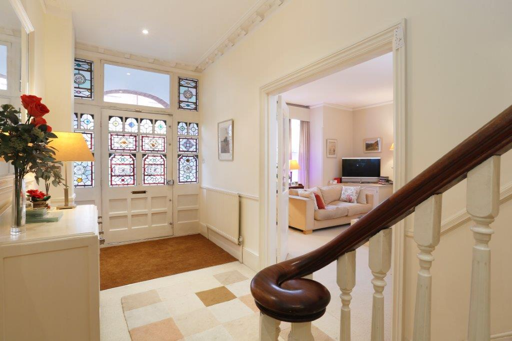 7 Bedrooms Semi Detached House for sale in Drakefield Road, London SW17