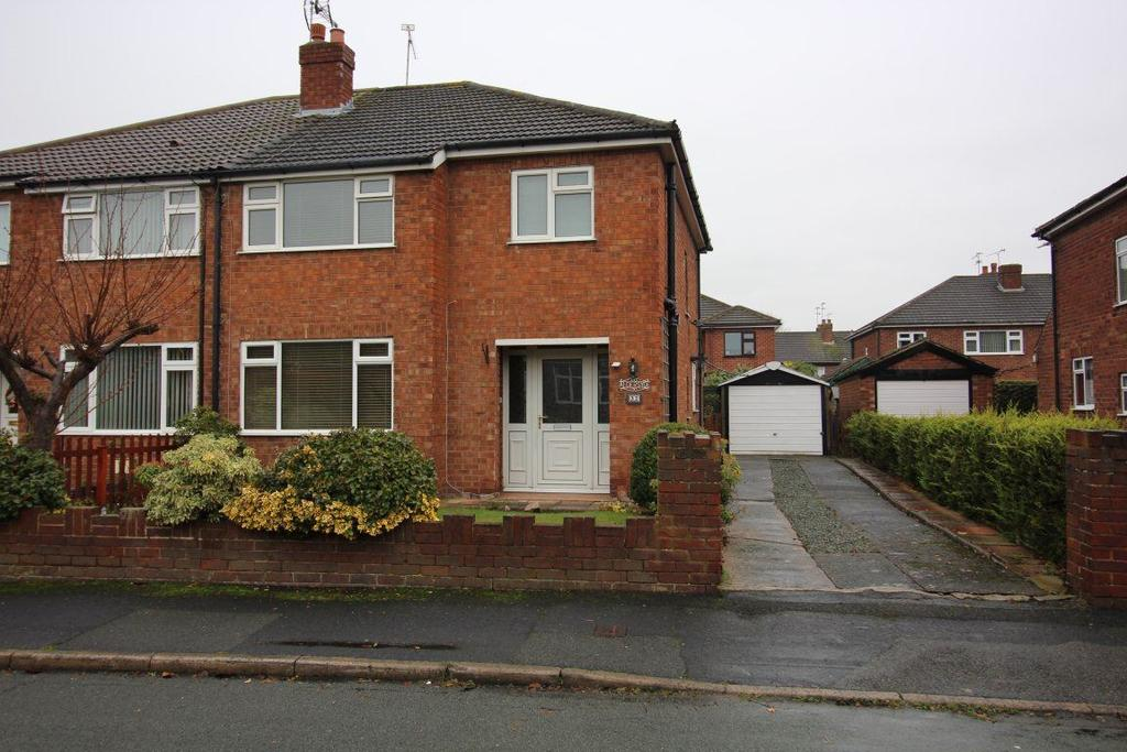 3 Bedrooms Semi Detached House for rent in 32 Manor Drive, Great Boughton, Chester