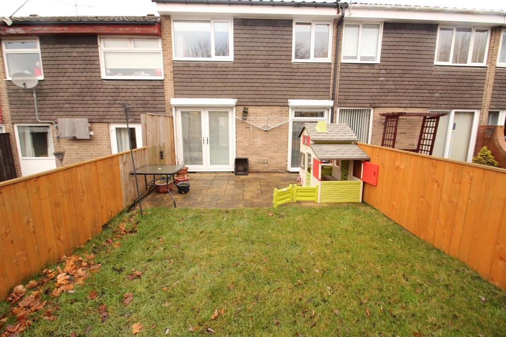 3 Bedrooms Terraced House for sale in Hadrian Court, Newcastle Upon Tyne