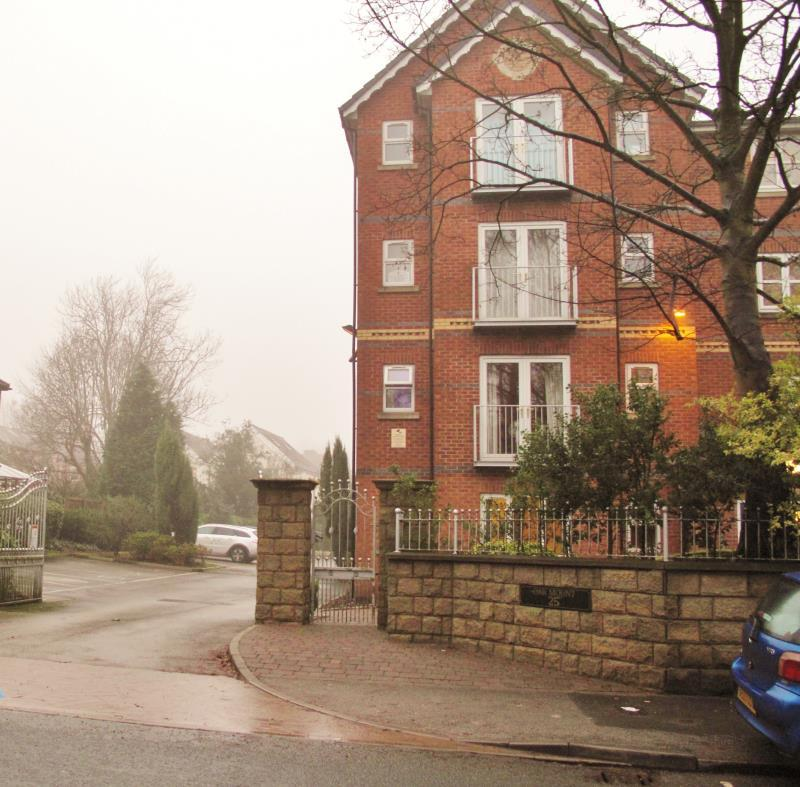 2 Bedrooms Apartment Flat for rent in 11 Oakmount, 25 Half Edge Lane, Monton, Eccles, M30 9RE
