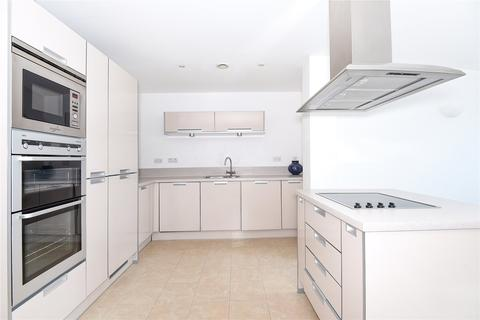 2 bedroom penthouse for sale - Mistral, 32 Channel Way, Southampton, SO14