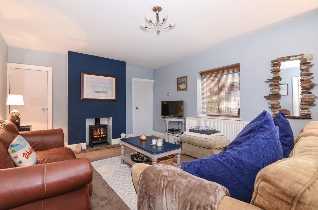 4 Bedrooms Detached House for sale in Pagham, Bognor Regis, PO21