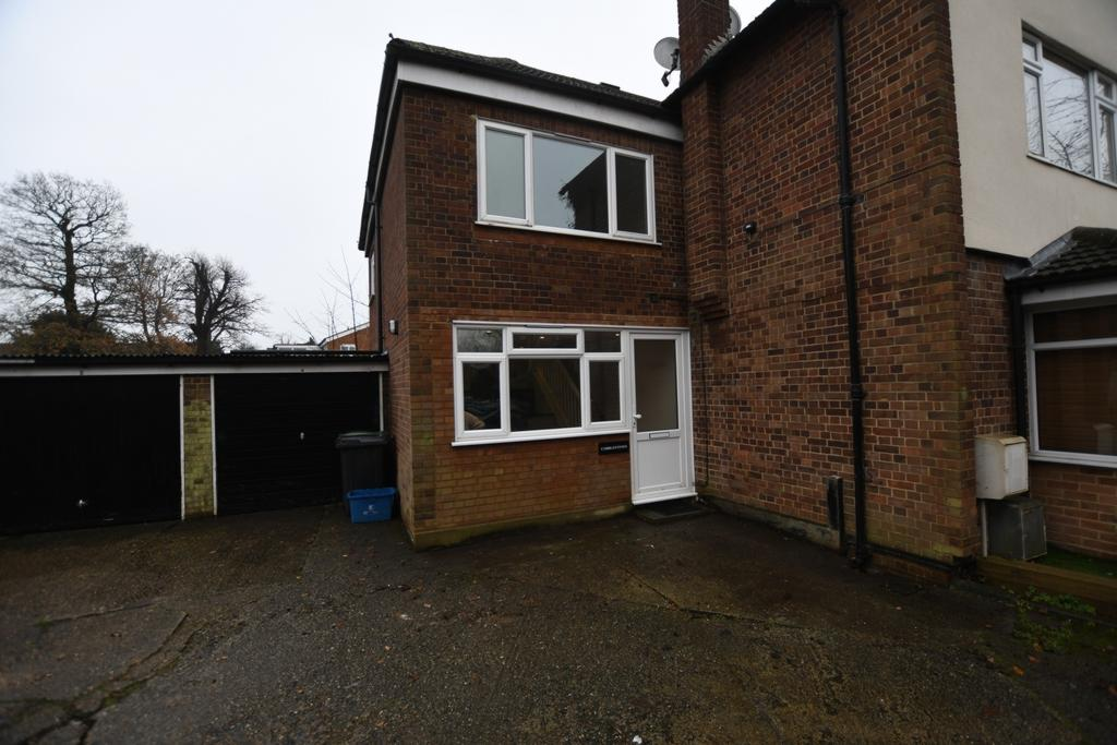 1 Bedroom Semi Detached House for sale in Hemnall Street, Epping, CM16