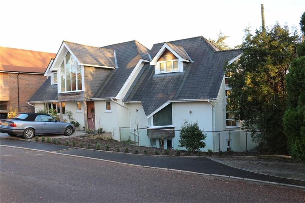 5 Bedrooms Detached House for sale in Highland View Close, Wimborne, Dorset