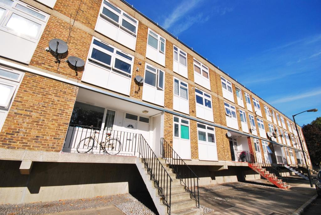 3 Bedrooms Flat for sale in Lorrimore Square Walworth SE17