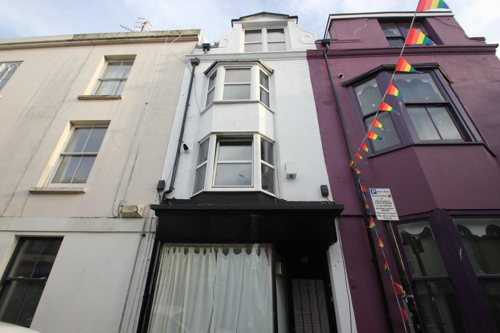 5 Bedrooms House for rent in George Street, Brighton